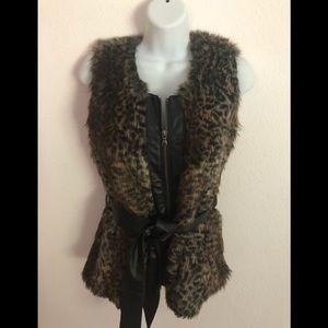 Daytrip Leopard Faux Fur Hip Length Belted Vest M